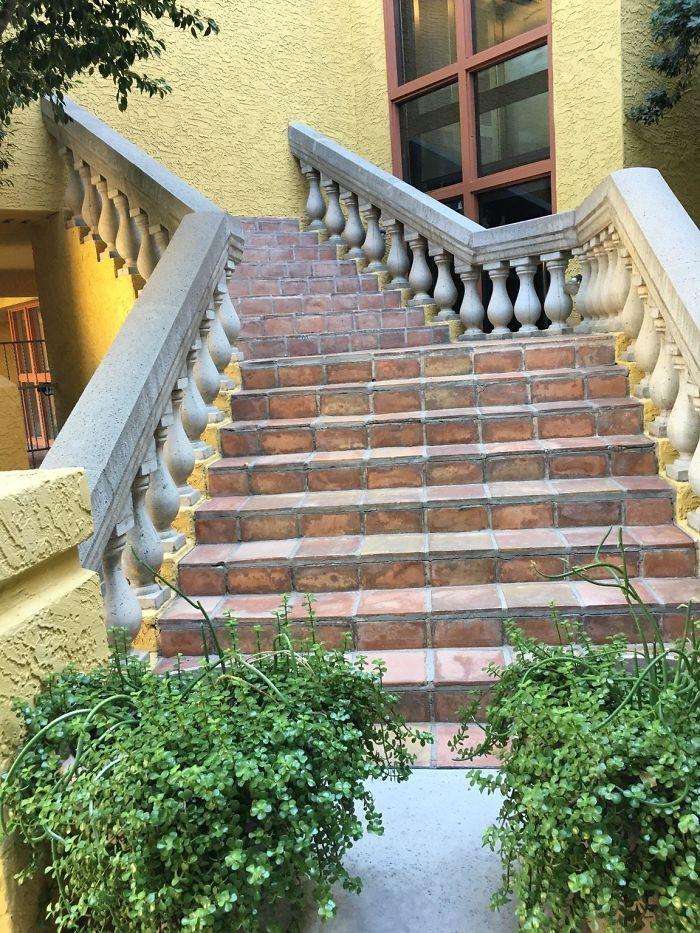 El hotel tiene escalera para fantasmas