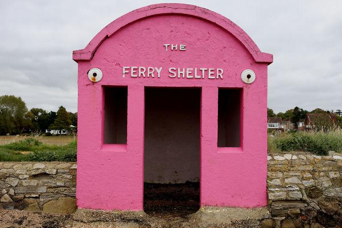 Hamble-warsash Ferry Shelter In Hampshire, UK