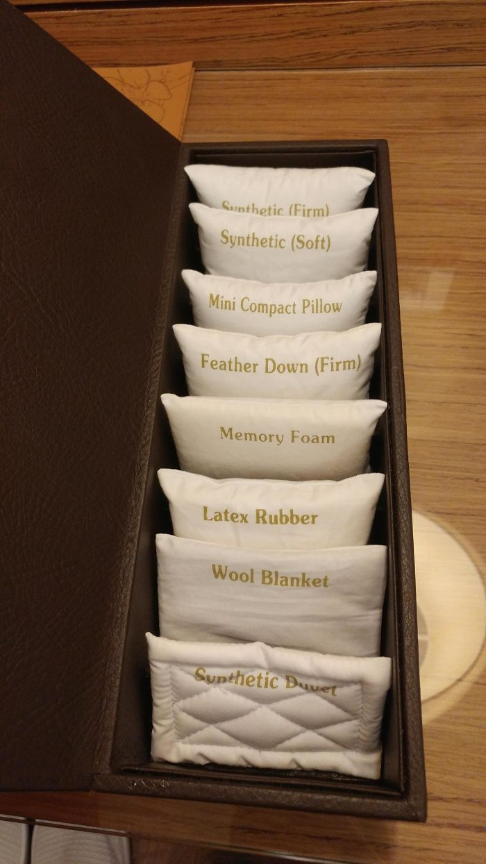 Este hotel tiene un menú de almohadas... con muestras