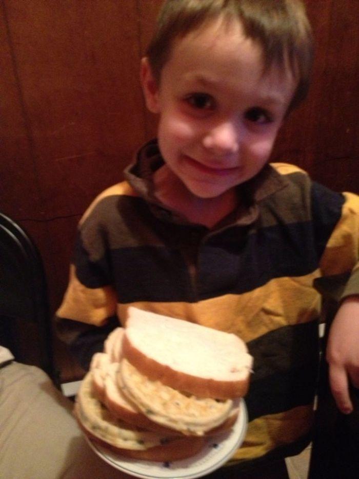 Mi hijo me ha hecho la cena por el Día del padre, sandwich de gofres