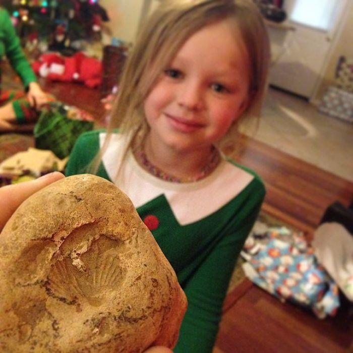 Mi hija encontró un fósil y me lo regaló en Navidades