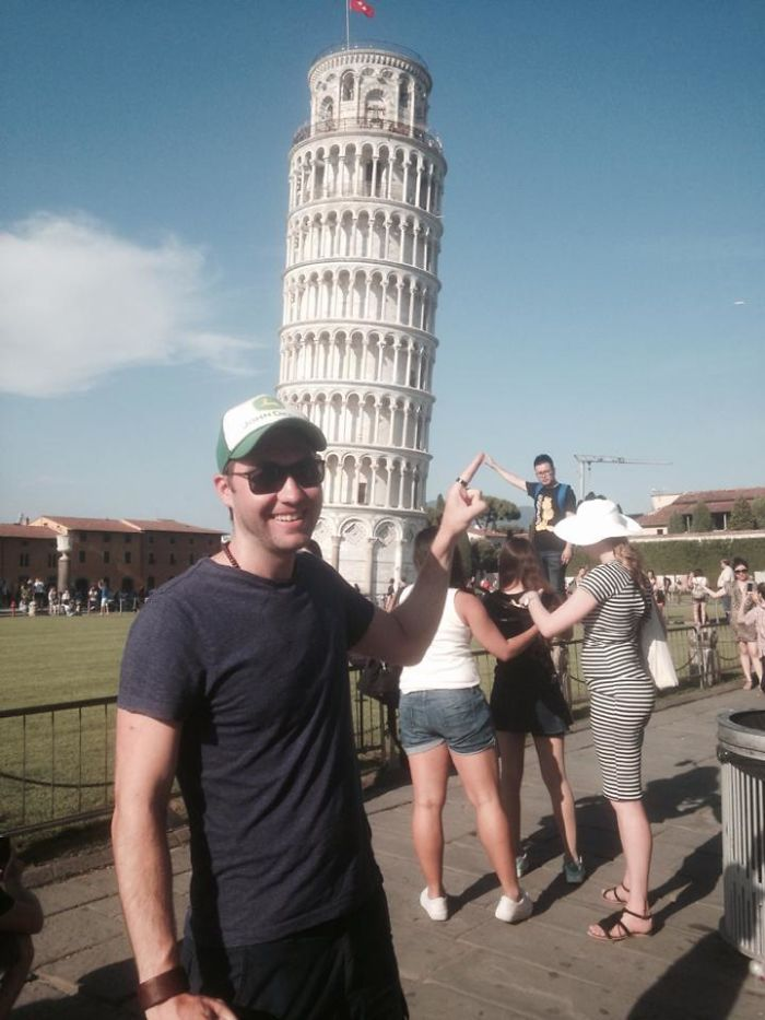 When Tourists Make Better Background Props Than The Leaning Tower Of Pisa