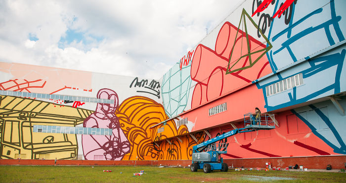 Evolution-2: We Created The Largest Mural In The World