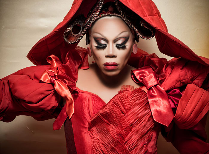 "2018 Pirelli Calendar Has An All-Black Cast In ""Alice In Wonderland"" World, And It's Epic"