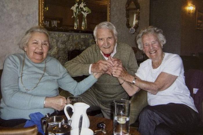 auschwitz-survivor-and-soldier-celebrate-71st-anniversary-6