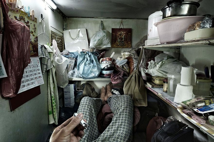 10  Shocking Photos Reveal Life Inside 'Coffin Cubicles' In Hong Kong, Home To 200,000 People