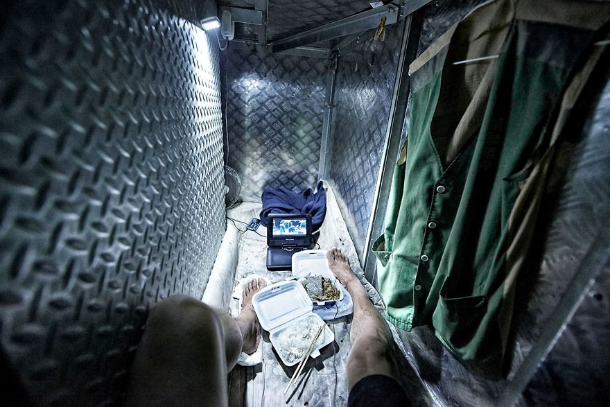 ... I Came Home And Cried,u201d Said Benny Lam, The Photographer Who Captured  The Grim Living Conditions Of People Living In Hong Kongu0027s U0027Coffin Cubicles U0027.