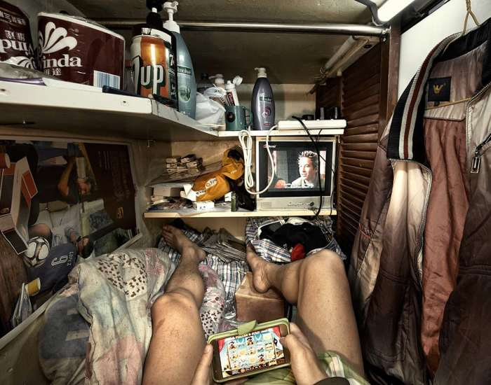 10+ Shocking Photos Reveal What It's Like To Live In Hong Kong's 'Coffin Cubicles'