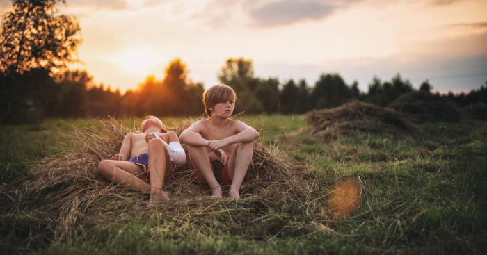 I Capture Colorful Moments Of My Kids Spending Idyllic Summers Without Computers