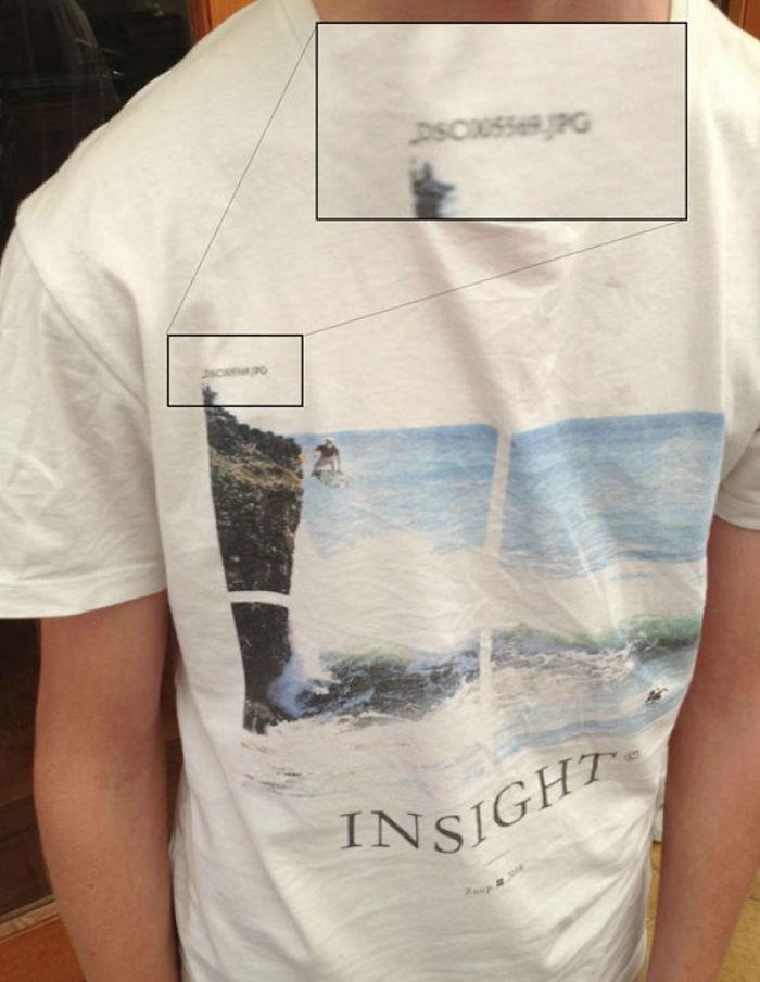 Esta camiseta tiene impreso el nombre del archivo