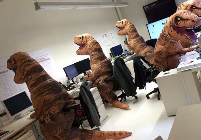 El departamento de paleontología en Halloween
