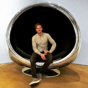 10+ Badass Furniture Pieces Made From Old Airplane Parts