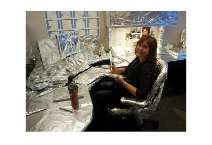 When My Mum Was Pranked At Work With Tin Foil