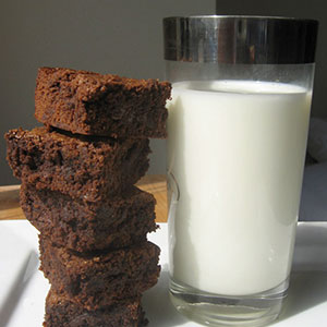 Mom Uses Breast Milk To Make Brownies For School Bake Sale, Doesn't Expect Reaction Like This