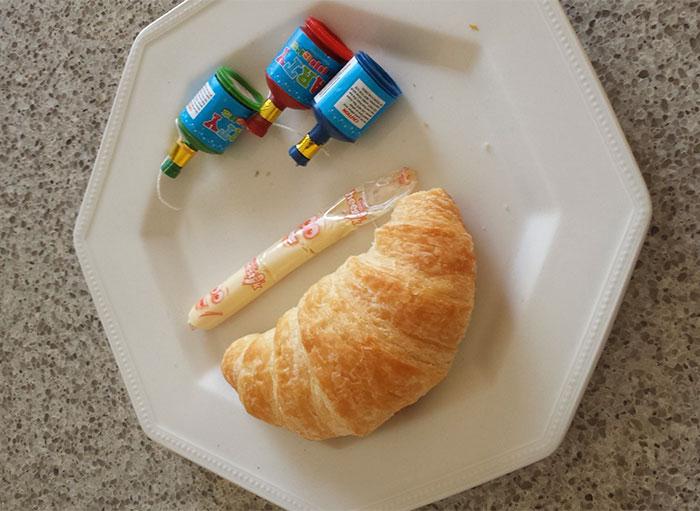 Desayuno en la cama preparado por mi hijo de 5 años