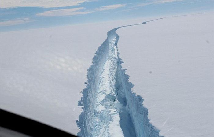 trillion-ton-iceberg-broke-off-antarctica-30