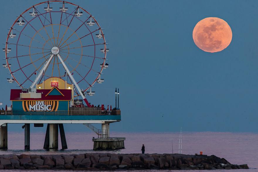 Moonrise ©2016 Sergio Garcia Rill
