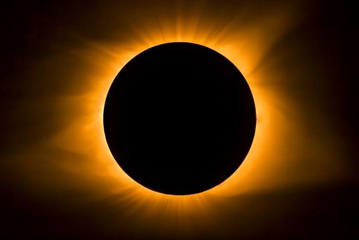 Total Eclipse Solar Corona