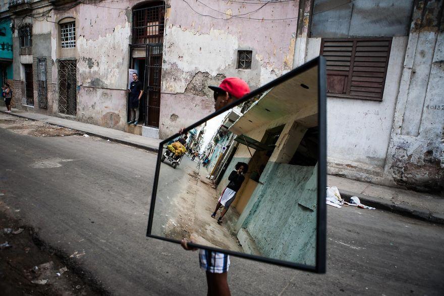 Reflect Your Life. Havana, Cuba