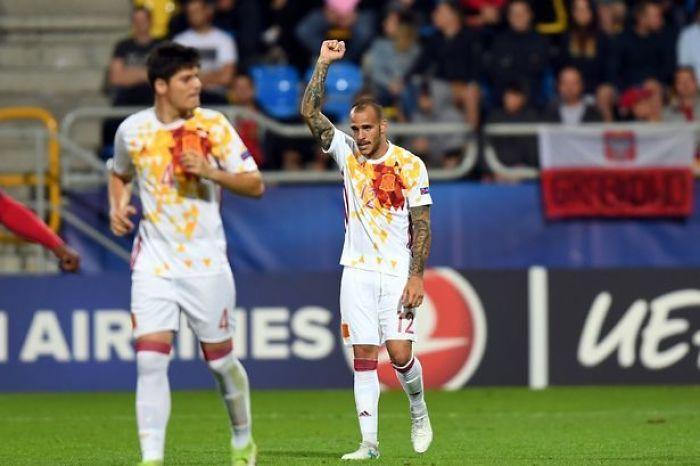 Esta camiseta de España parece una mancha de pasta a la boloñesa