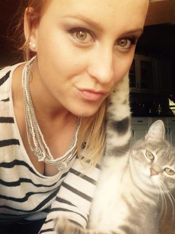 My GF Tried To Take A Selfie With Her Cat