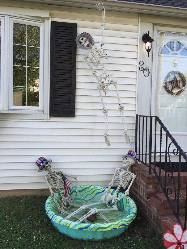 My Neighbors Didn't Take Down Their Halloween Decorations, But They've Been Adjusting Them For Each Holiday