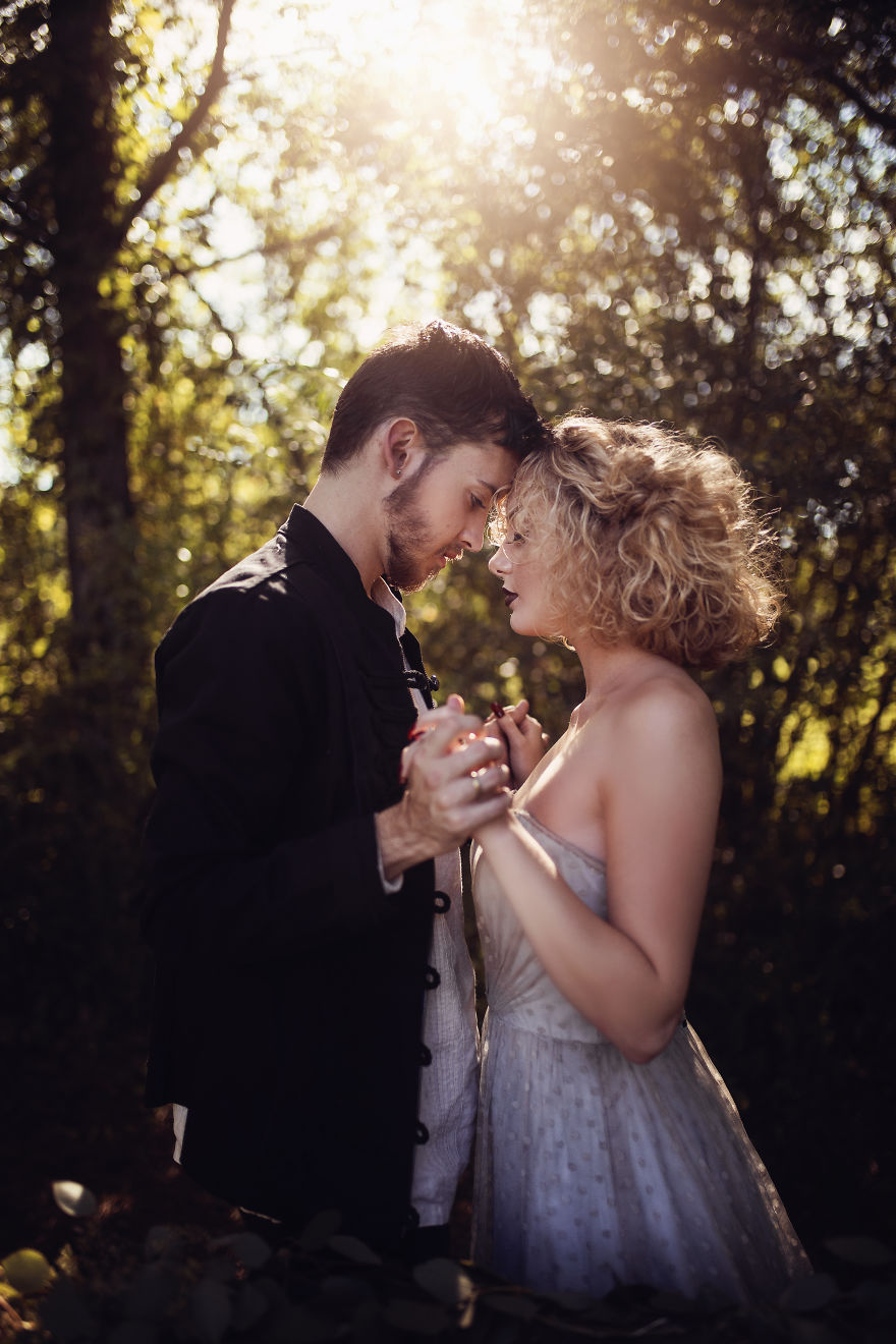 Dreamy Romeo And Juliet Inspired Photo Shoot