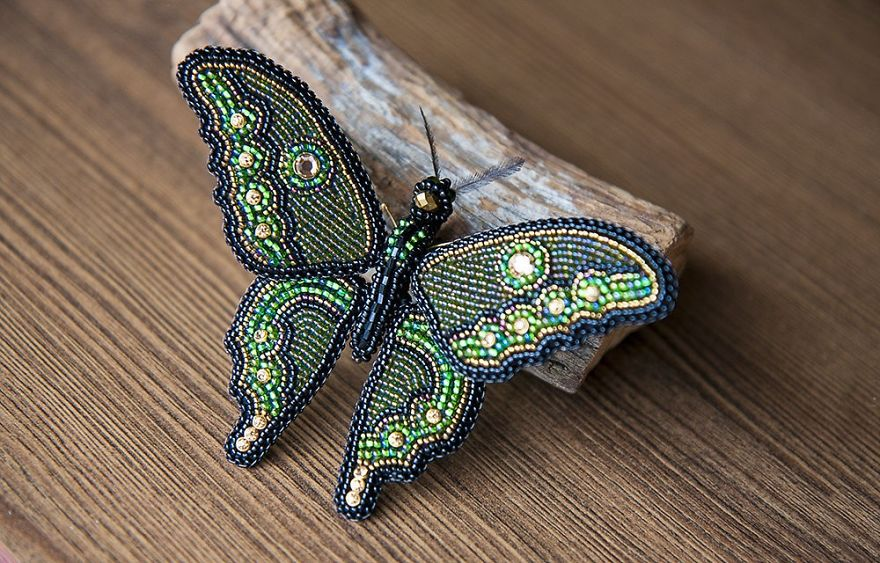 Fabulous Sparkling Brooches That Lend You Wings