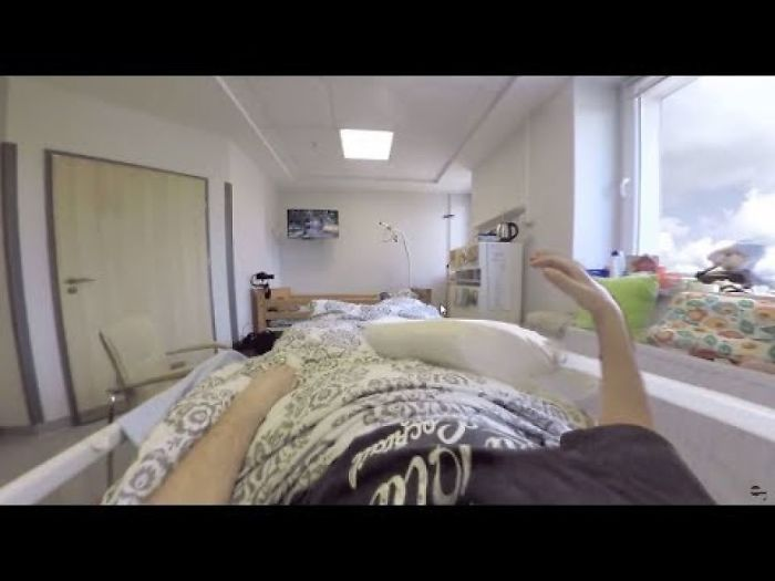 I'm Using Virtual Reality To Trick Brain Of Paralyzed Patient To See Their Moving Hands For Recovery Support