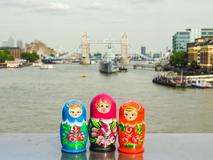World's First Dolls To Travel Around The Globe!
