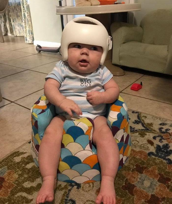family-wear-helmets-solidarity-baby-jonas-gutierrez-4