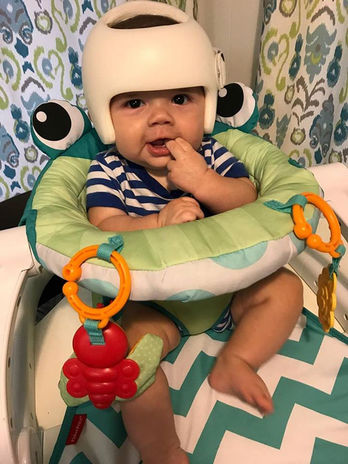 family-wear-helmets-solidarity-baby-jonas-gutierrez-5