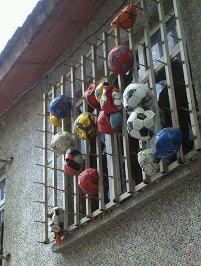 Cómo evitar balonazos en las ventanas