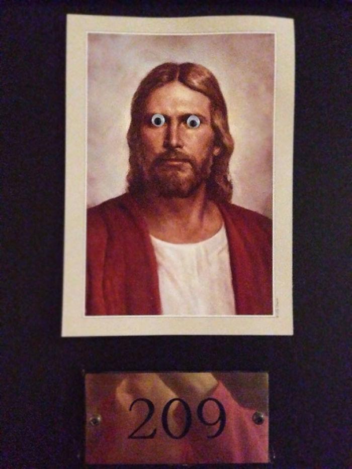 La puerta de mi vecino mormón. Voy a ir al infierno por esto