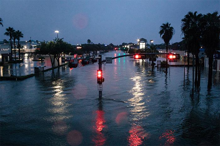 Dusk In Houston's Meyerland Area On Sunday Night