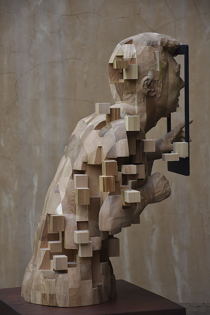 These Pixelated Sculptures That Look Like Computer Glitches Are - Taiwanese sculpture uses wood to create sculptures of people effected by pixelated glitches