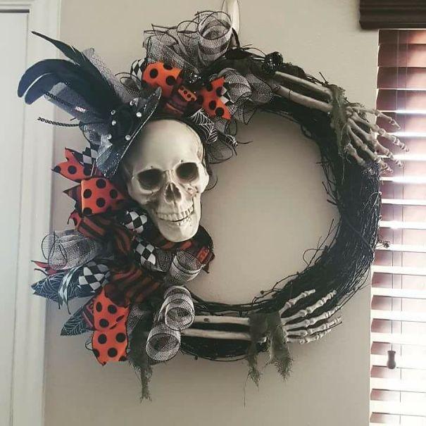 wreath-5984c46038283.jpg