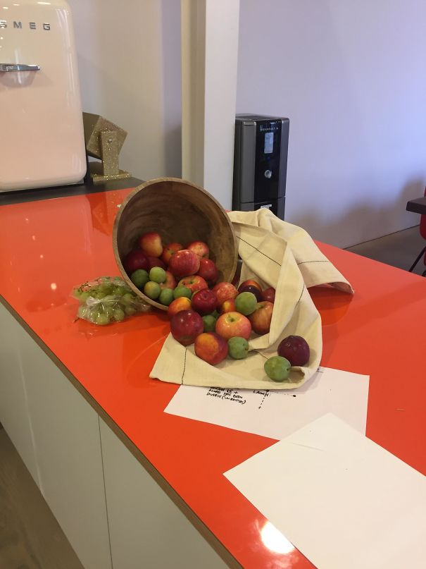 The Fruit Bowl At My Work Fell Over And Now It Looks Like A Renaissance Painting