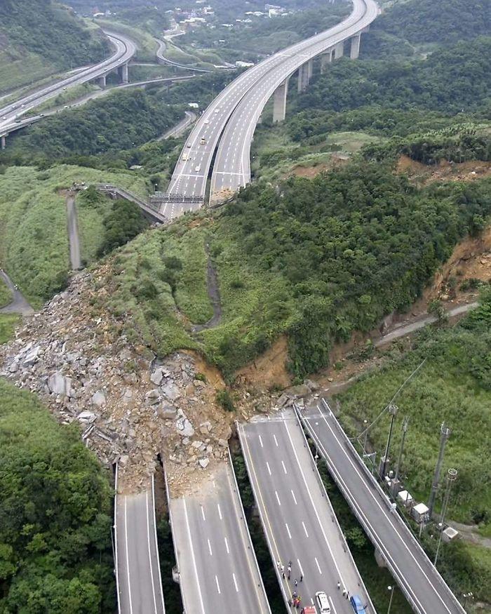 Un Desprendimiento De Tierra En Taiwan