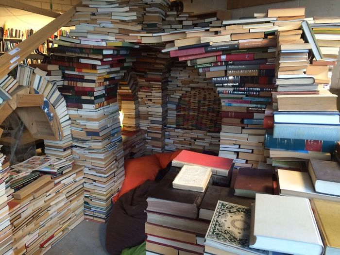 My Local Second Hand Store Made A Reading Corner Out Of Books