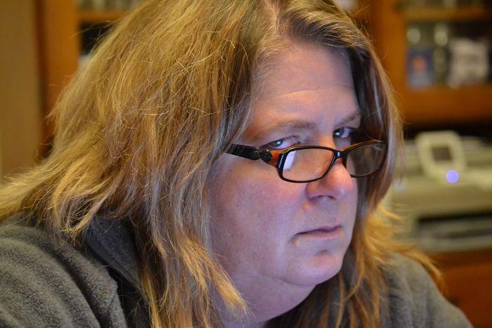 Jugando con la cámara nueva saqué sin querer esta foto de mi suegra