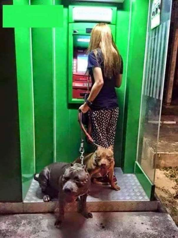 How To Use The Cash Dispensing Machine Safely