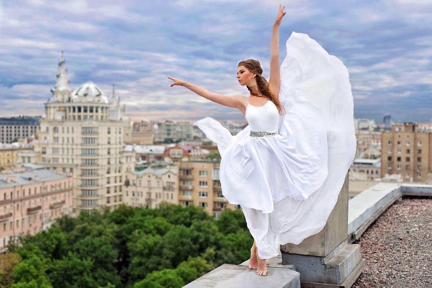 Moscow Rooftop Dancing