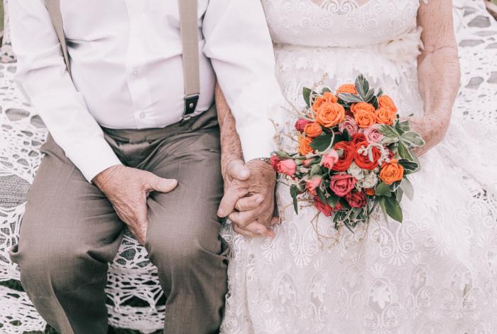 Esta pareja no tenía imágenes del día de su boda, así que hicieron una sesión de fotos 60 años después