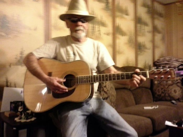 Daddio Sings The Blues
