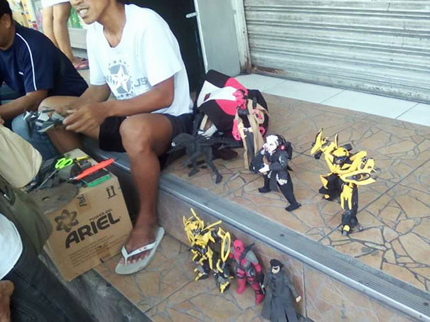 14e47e1b71c916 Filipino Man Turns Old Flip Flops Into Action Figures