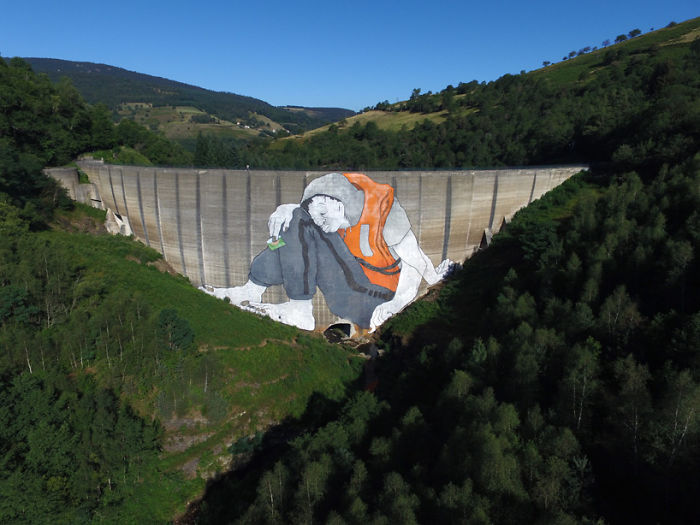 Artists Made A Mural On An Abandoned Dam To Represent Refugees In France
