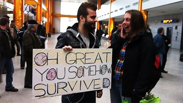 How To Welcome Your Girlfriend At The Airport