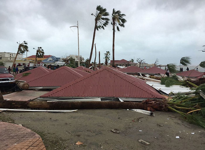 Bizarre Scene Along The Coast Of Saint Martin After Roofs Were Torn Off Houses And Blown Off In To The Streets