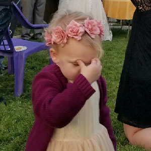 10+ Hilarious Pics Of Kids At Weddings